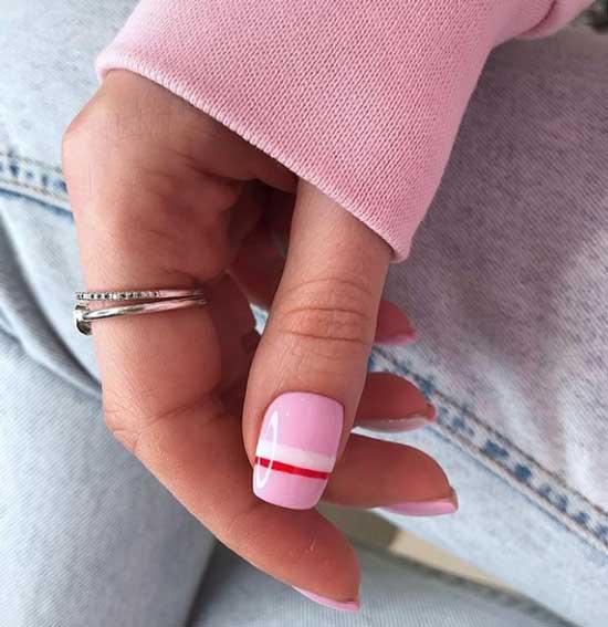 Розовый маникюр минимализм