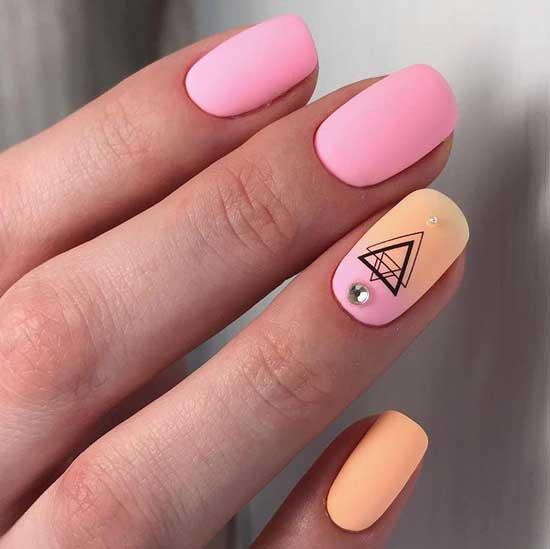 Розовый элегантный маникюр