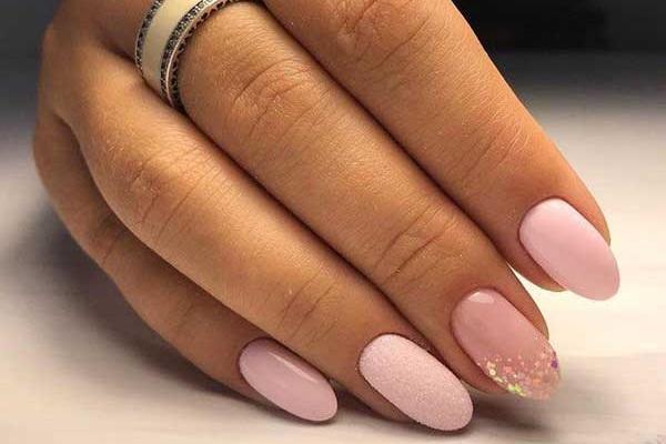 Красивый розовый маникюр 2019