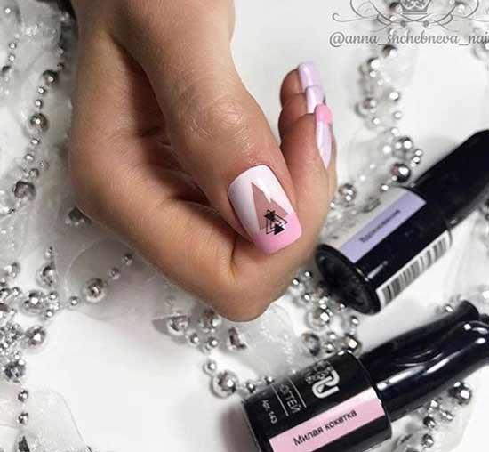 Розовый френч на средней длине ногтей