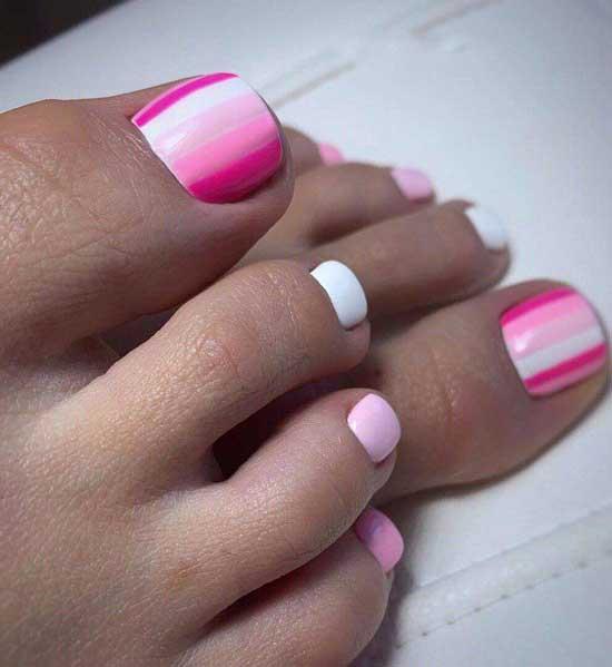 Бело-розовый педикюр с полосками