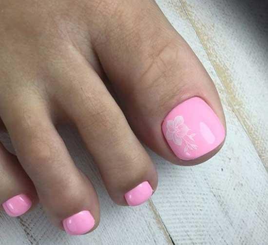 Розовый педикюр с белым рисунком