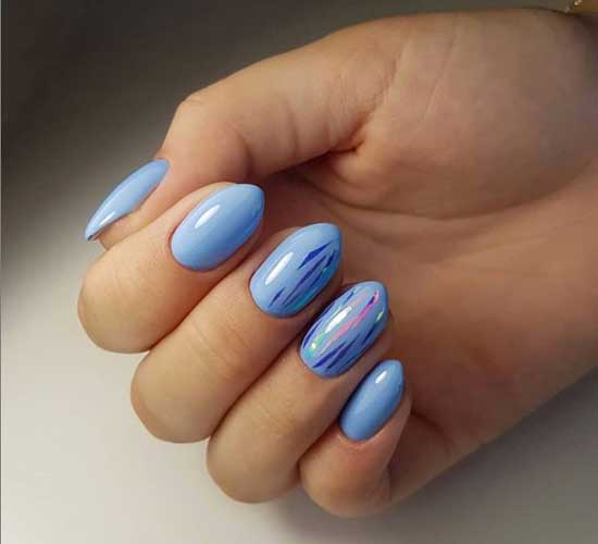 Маикюр в голубых тонах и битое стекло