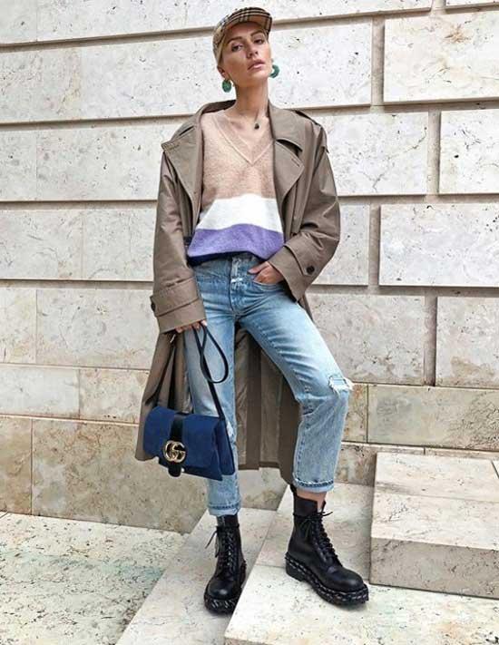 Модный блогер в джинсовой одежде