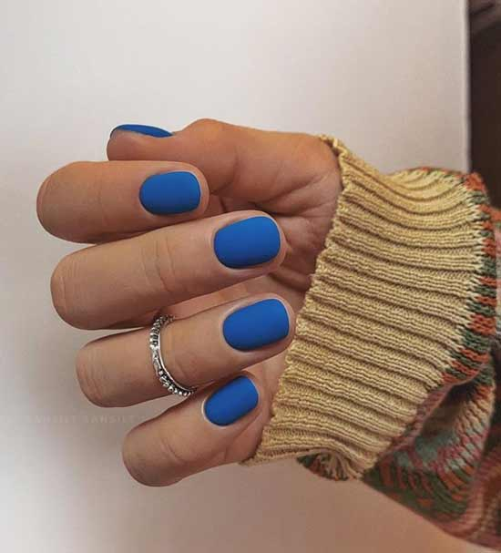 Модная классика на ногтях