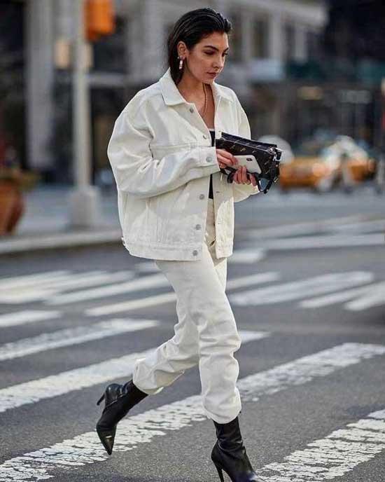 Модные образы с белыми джинсами