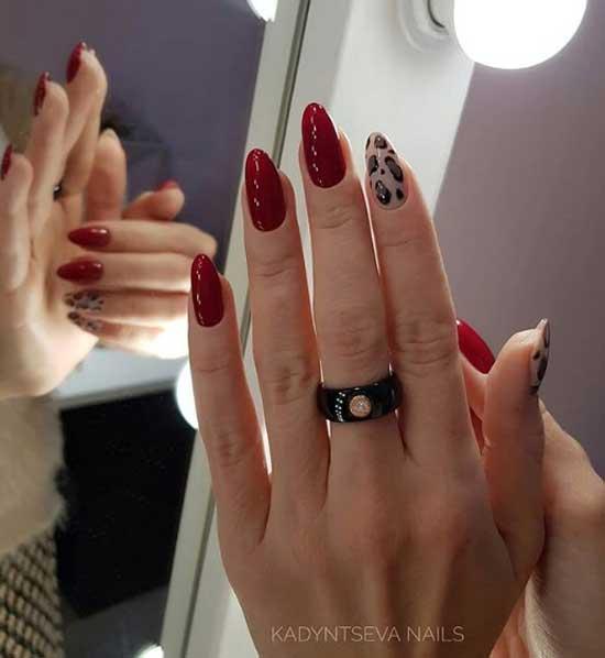 Темно-красный маникюр с леопардовым принтом