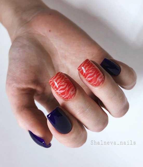Стемпинг и синее покрытие ногтей