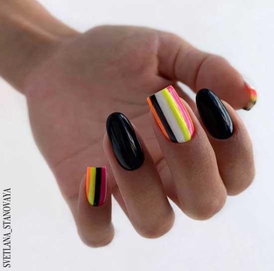 Сочетание разных форм ногтей в темном маникюре