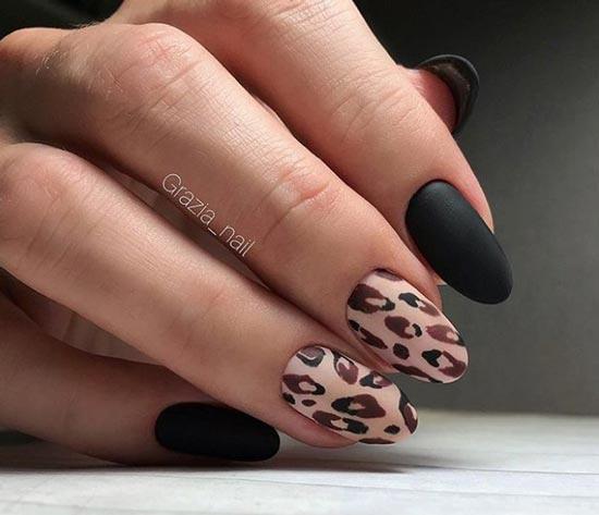 Черный маникюр и леопардовый принт