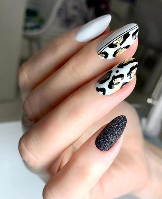 Белый маникюр с леопардовым принтом