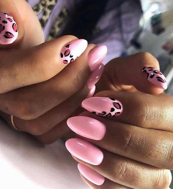 Розовый леопард на ногтях