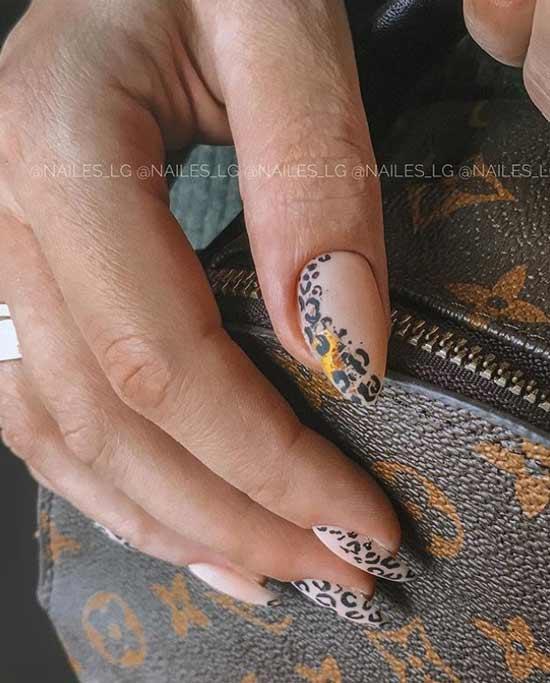 Матовый леопардовый маникюр в коричневой гамме