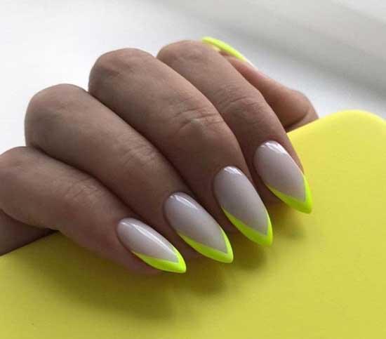 Неоновый френч на миндалевидных ногтях