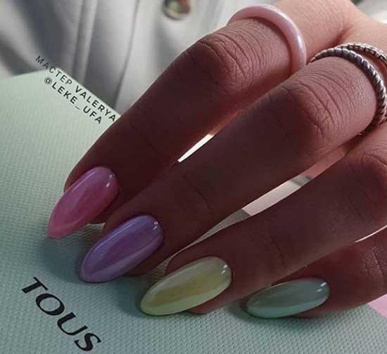 Втирка на миндалевидных длинных ногтях