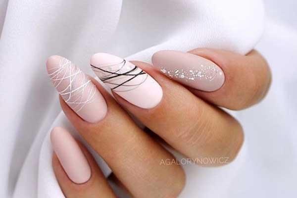 Нежный дизайн миндалевидных ногтей
