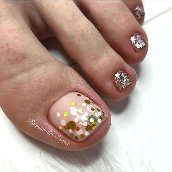 Градиент на нюдовом фоне ногтей