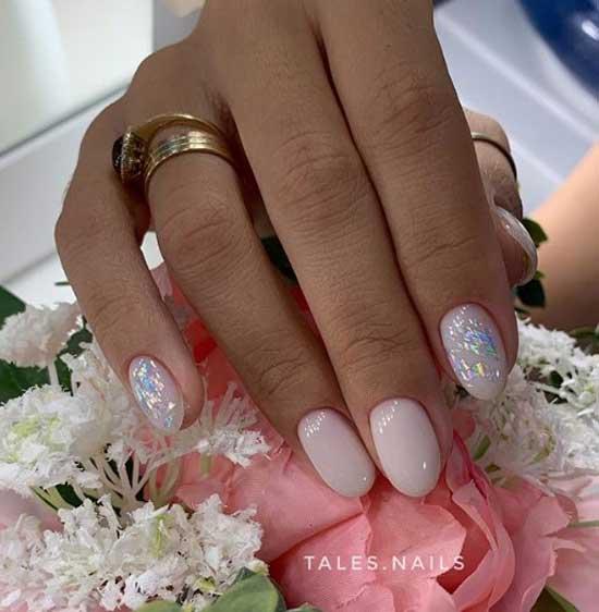 Абстракция на ногтях декором