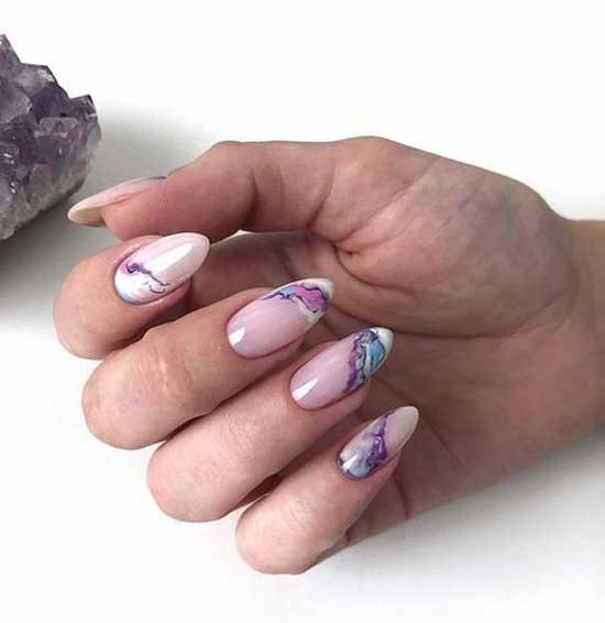 Абстракция на кончиках ногтей