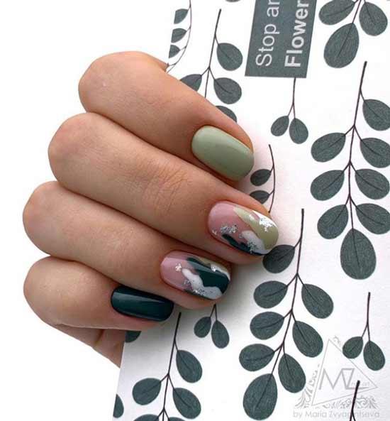 Рисунки в мятных тонах на ногтях