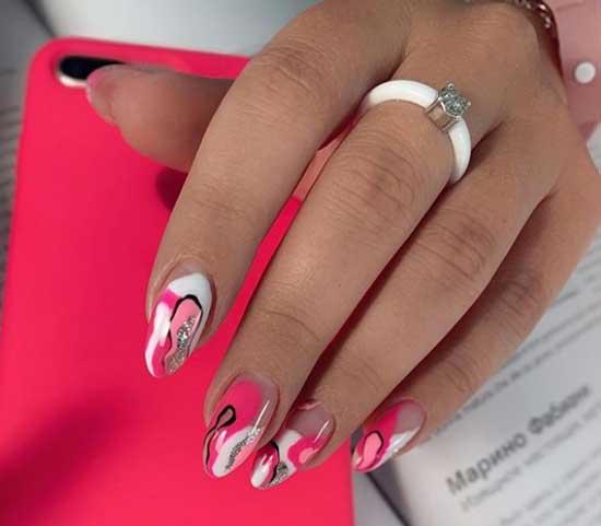 Абстракция на длинных ногтях