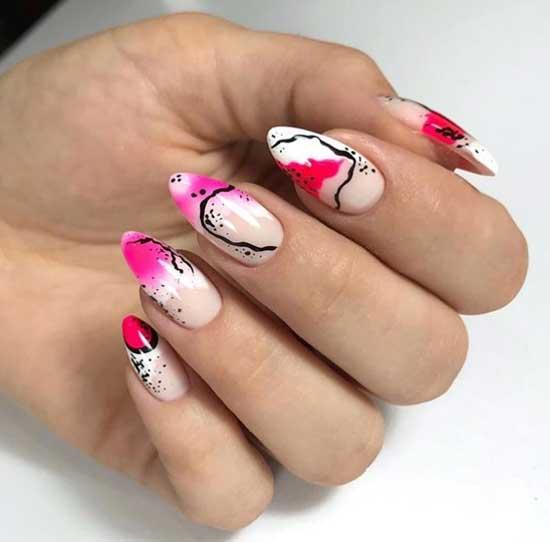 Красивая абстракция на длинных ногтях