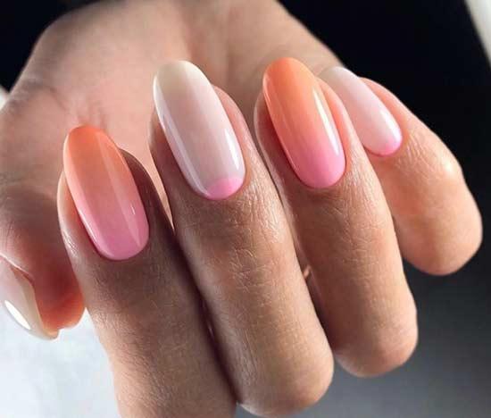 Градиент, лунки в дизайне ногтей овал