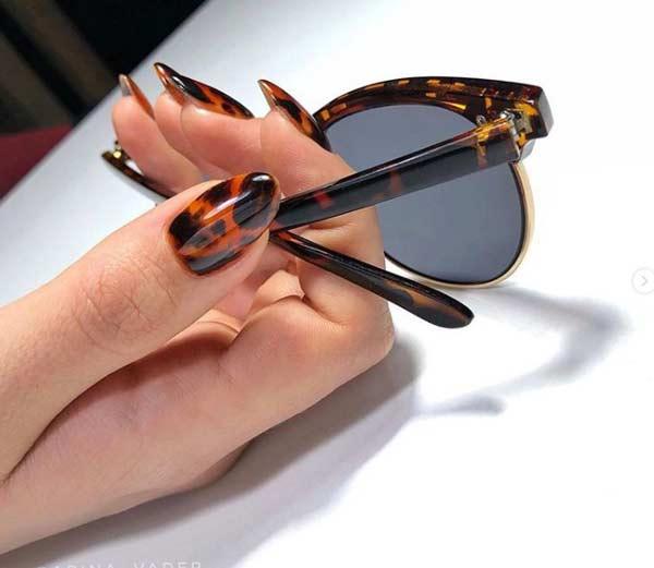 Черепаший принт на ногтях овальной формы