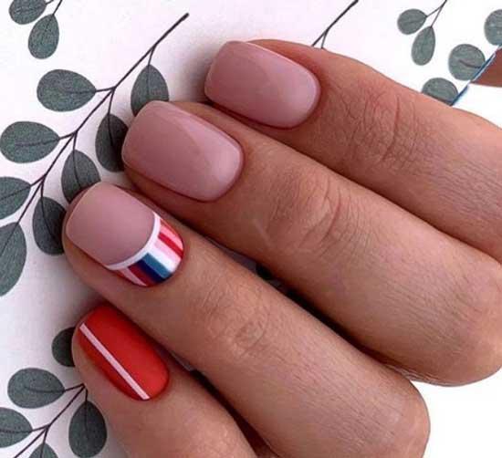 Бежево-красный маникюр на короткие ногти