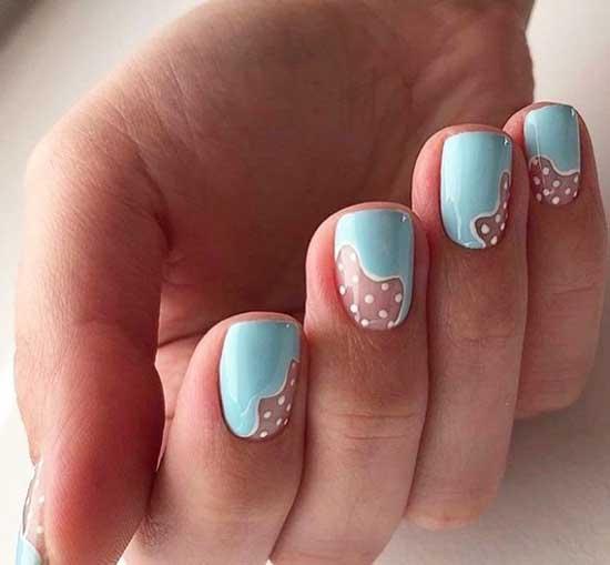 Красивый голубой маникюр короткая длина ногтей