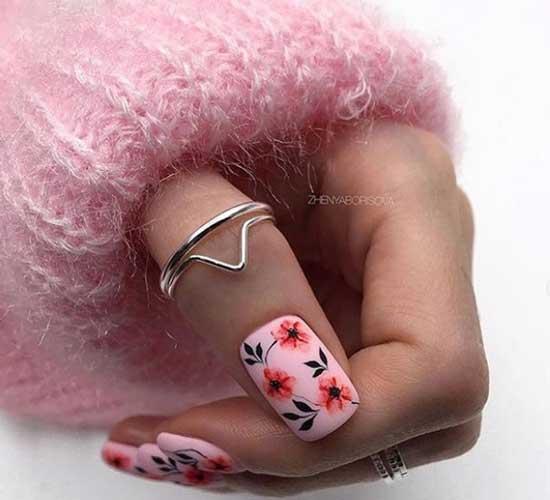 Романтичный маникюр на короткие ногти