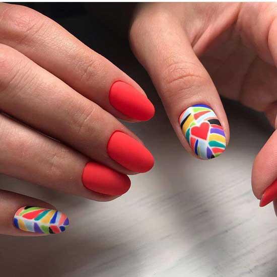 Красный маникюр - короткие ногти