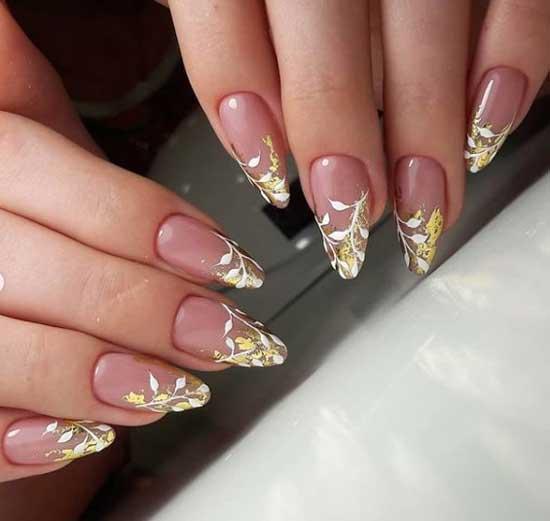 Френч с осенним рисунком на всех ногтях