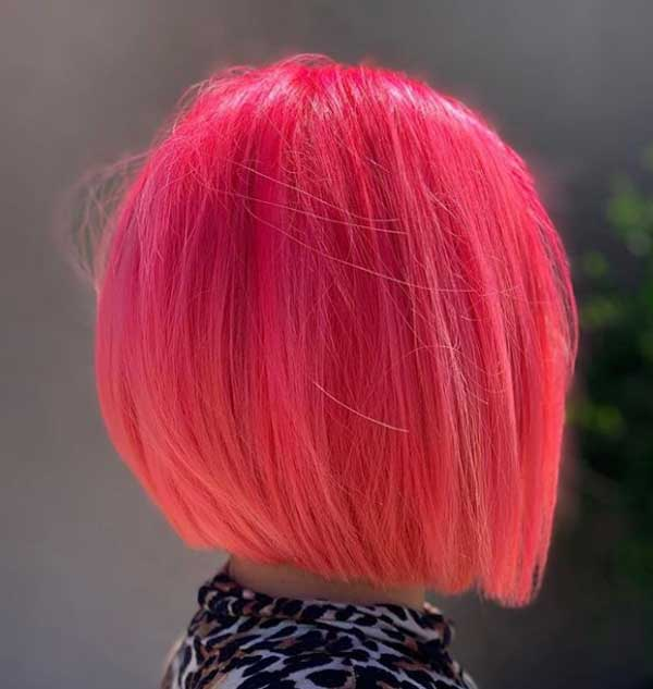 Каре в ярко-розово цвете