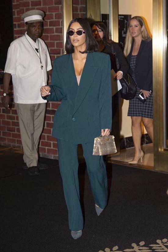 Ким Кардашьян в брючном костюме - образ