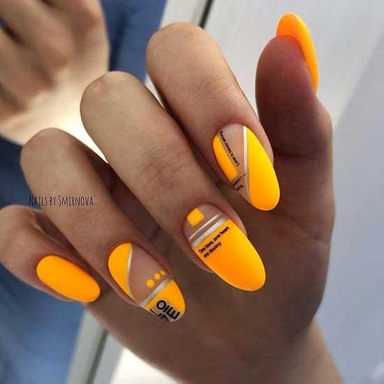 Оранжевый маникюр с нейл-артом