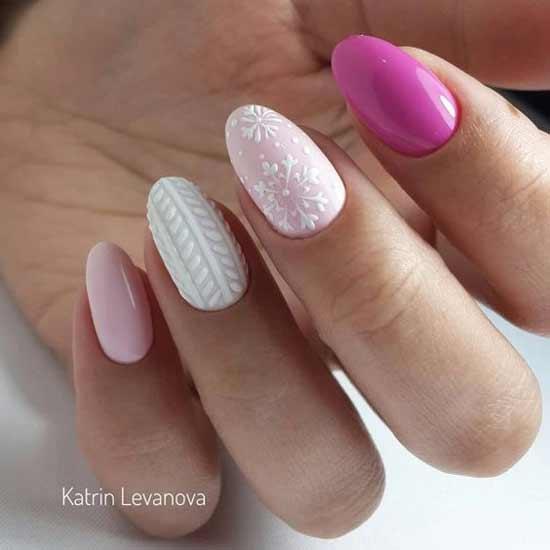 Новогодний дизайн ногтей с белым лаком