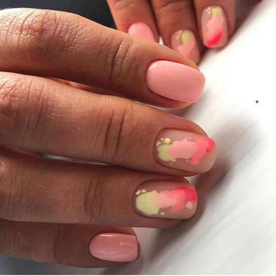 Светло-розовый маникюр короткие ногти
