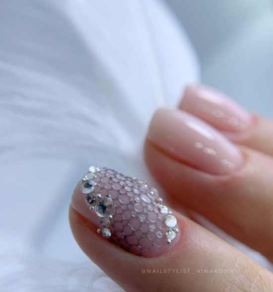 Баблнейлз нюдовый фон коротких ногтей