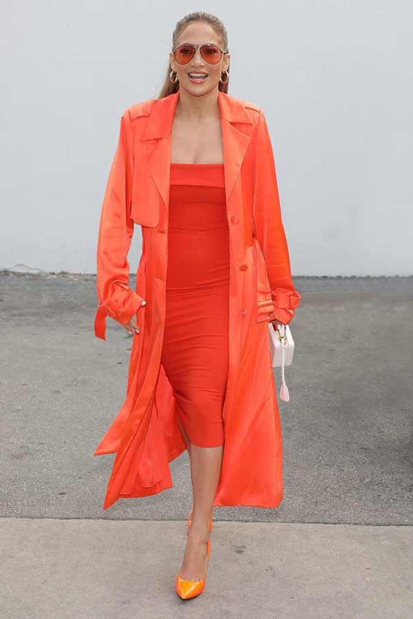 Оранжевое платье Дженнифер Лопес