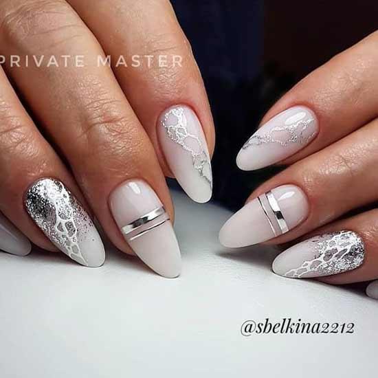 Серебристая текстура на ногтях