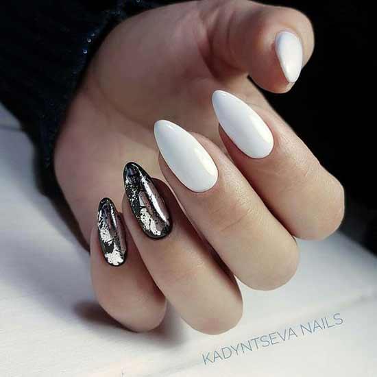 Черно-белый с серебром маникюр