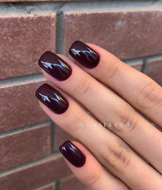 Бордовый маникюр на среднюю длину ногтей