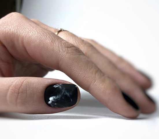 Черный с имитацией мрамора