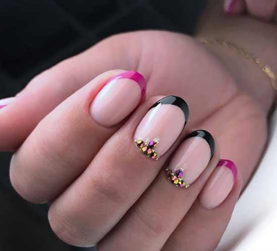 Черно-бордовый френч фото на коротких ногтях
