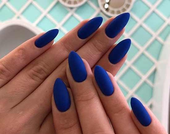 Матовый синий на длинных ногтях