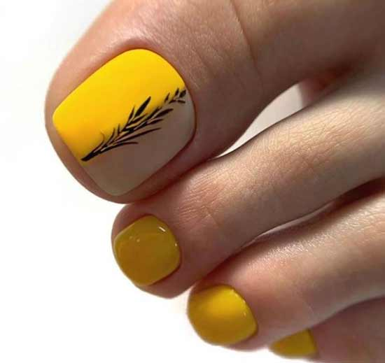 Дизайн ярко-желтого педикюра