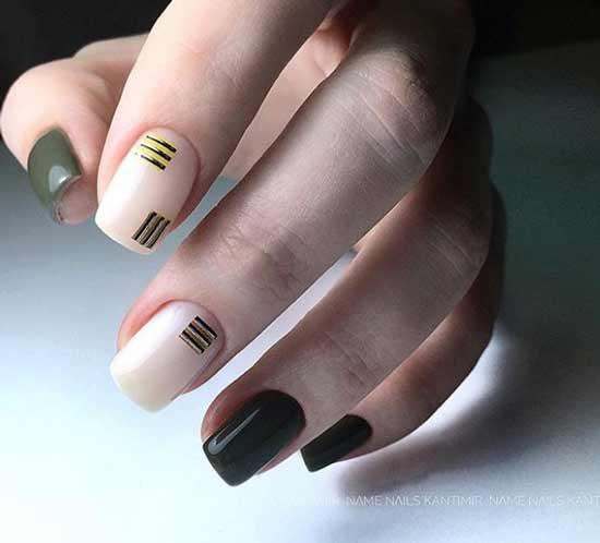 Полоски только на двух ногтях