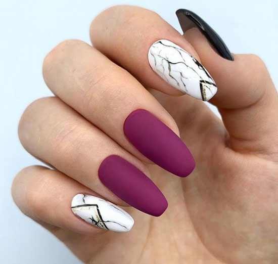 Мраморный дизайн ногтей с геометрией