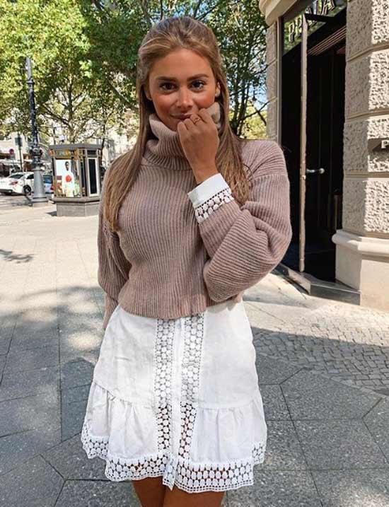 Ажурное платье со свитером